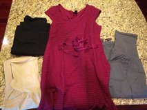 4 pieces Maternity clothing size Med in Naperville, Illinois