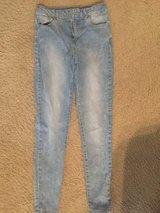 Sz 7/8 Jean Jeggings from Forever 21 in Baytown, Texas