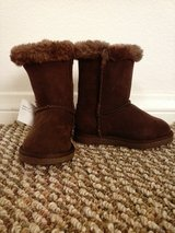 NWT Toddler Girls Boots (size 7) in Schofield Barracks, Hawaii