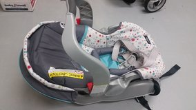Infant Carseat -NEW       - Never used- in Wiesbaden, GE