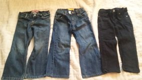 3 pair of 3T girls jeans in Dickson, Tennessee