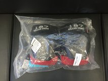 New Derby 187 Killer Knee Pads size Small in Okinawa, Japan