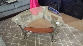large triangle coffee table in Fort Leonard Wood, Missouri