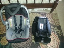 infant car seat w/ click in base in Beaufort, South Carolina