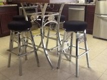 Table(Bar Height) 4 stools in Houston, Texas