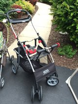 Jeep universal cruiser car seat carrier stroller in Naperville, Illinois