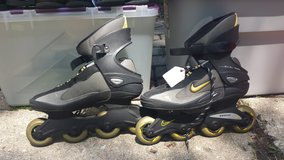 Nike Foreflex Rollerblades - Mens 9.5/Womens 10.5 in Naperville, Illinois
