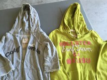 Hollister sweatshirts size L in Camp Lejeune, North Carolina