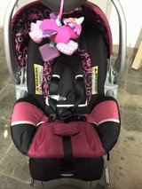 Baby Trends girls car seat including base in Stuttgart, GE