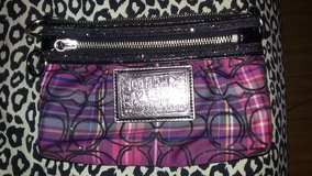authentic COACH poppy wristlet in Todd County, Kentucky