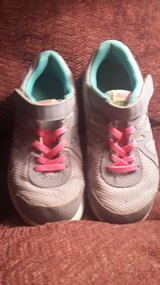 Girls Nike Shoes size US 1Y in Dickson, Tennessee