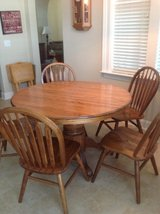Table and 5 Chairs in MacDill AFB, FL