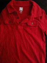 Baby/Toddler boys Old Navy red short sleeve shirt 4T/4A in Macon, Georgia