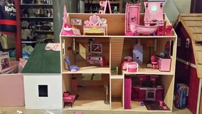 Barbie house with furniture in Ottawa, Illinois