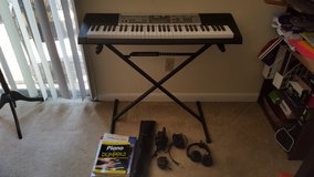 Casio Electronic Keyboard w/ accessories in Beaufort, South Carolina