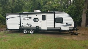 2015.  30 foot camper by Forest River in Warner Robins, Georgia