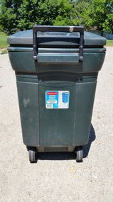 Rubbermaid Roughneck Wheeled Refuse Container  45 gal in Yorkville, Illinois