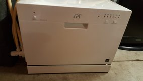 Counter Top Dishwasher in Fort Campbell, Kentucky