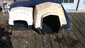 Outdoor Pet house large I have 3 in Conroe, Texas