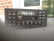 Jeep Cherokee radio cassette WITH CODE in Lakenheath, UK