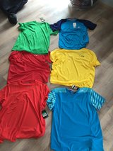 Sports shirts new. in Spangdahlem, Germany