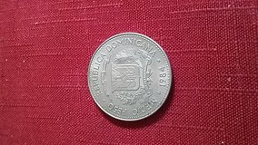 Medio Peso Republicia Dominicana 1984 World Coin in O'Fallon, Missouri