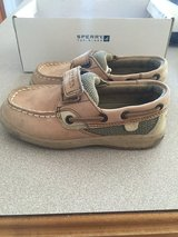 Sperry kids boat shoe (J10.5).  Like new in Naperville, Illinois