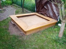 Sandbox Hand-built wood Large * Cleaning out sale. Lots must go * in Wiesbaden, GE