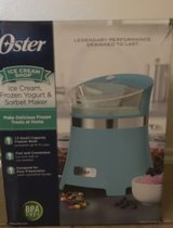 Brand Oyster Ice cream maker see pictures Never Been used got for Christmas in Lackland AFB, Texas