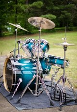 Mapex Drum Set with Cymbals in Fort Campbell, Kentucky