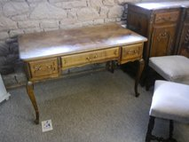 beautiful Desk with 3 drawers in Baumholder, GE