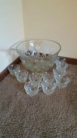 Anchor Hocking Glass Punch Bowl in Cleveland, Texas