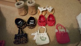 Build a bear shoes and purses in Bartlett, Illinois