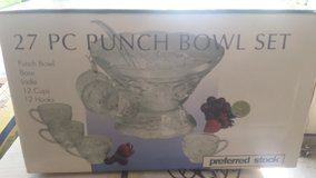 27 pc Punch Bowl Set, like new in Naperville, Illinois