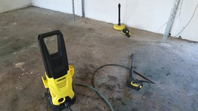 220 Electric power washer with extra attachments in Ramstein, Germany