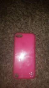 Hot Pink iPod Touch 5 Case in Fort Leonard Wood, Missouri
