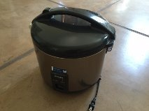 Electronic Rice Cooker / Warmer in Davis-Monthan AFB, Arizona