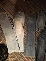 Size 6 name brand pants and capris in Leesville, Louisiana