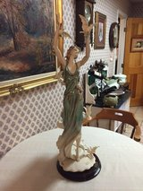 """Giuseppe Armani  """"White Wings"""" 1839C Limited Edition Figurine in Houston, Texas"""