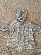 Army Jacket, Soft Shell Cold Weather ACU Med-Reg in Fort Campbell, Kentucky