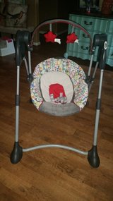 Graco baby swing in Cleveland, Texas