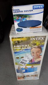 New Intex 10x30 Outdoor Pool with Pump and Pool Cover in Wilmington, North Carolina