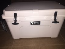 45qt YETI Tundra Cooler in white.  Brand New in Baytown, Texas