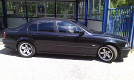 MUST SELL Eyecatching BMW 523i 1999 US Regs guarenteed to pass inspection. Price negotiable. in Ansbach, Germany