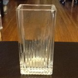 Lead crystal flower vase; price reduced! in Beaufort, South Carolina