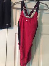 nike womens swimsuit and swim shorts sz.16 in Fort Campbell, Kentucky