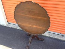 Hand Carved KINDEL Winterthur Philadelphia Mahogany Tilt Top Table in Camp Lejeune, North Carolina
