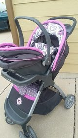 Car seat stroller combo in Fort Carson, Colorado
