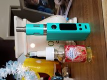 Mini vape box with accessories in Barstow, California