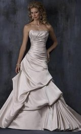 Maggie sottero wedding dress in Tomball, Texas